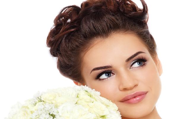 Dieci fantastiche acconciature da sposa